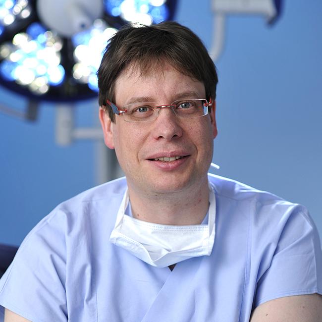Dr. Dr. Matthias Schneider | Implant Days 2017